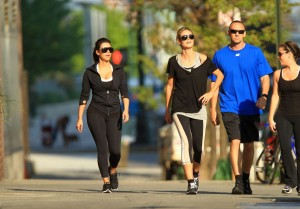 June-26-Jogging-with-Kim-Kardashian-in-Battery-Park-heidi-klum-23440123-2100-1466