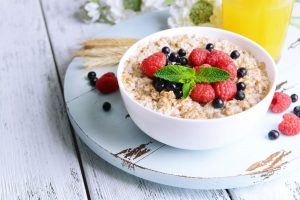 berry-healthy-maple-porridge