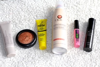 Tutorial: Race day hair and makeup essentials by GB International Adelle Tracey