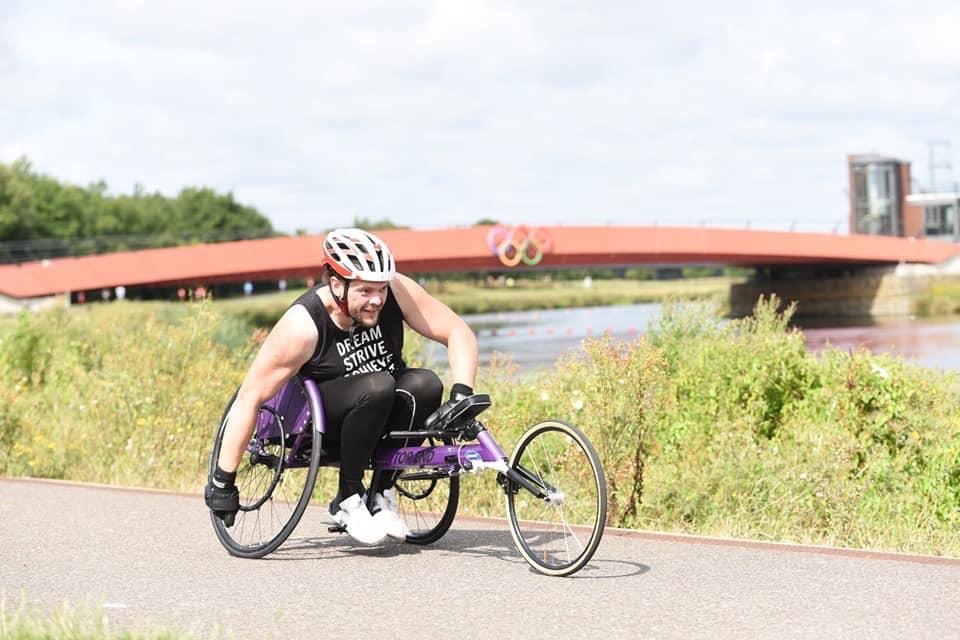 Runner Feature - James Cordwell RunThrough Running Club London